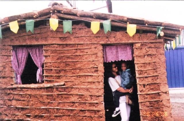 Foto, Peuzinho, casa da taipa