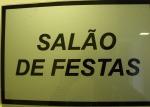 MODERN LIVING , SALAO FESTAS, placa
