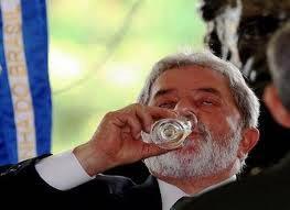 Lula bebendo