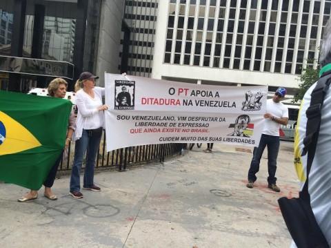 Venezuelano vem curtir a democracia