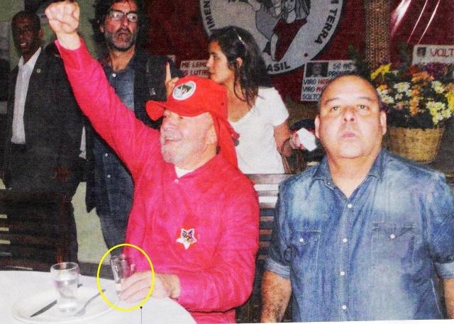 Lula, caruaru, punho cerrado e cachaça 001