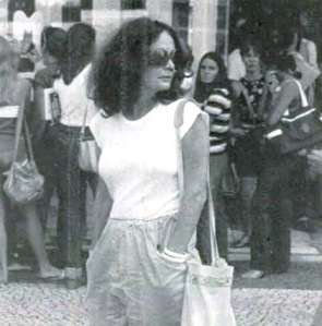 heloisa-buarqeu-de-holanda-tese-insolente-veja-09abr1980-foto